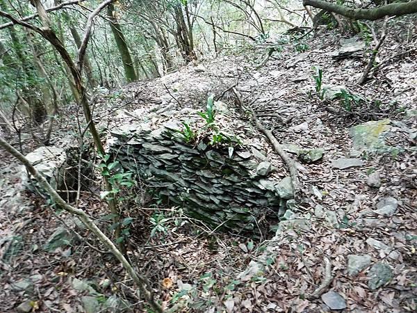 地標一:石板屋遺跡