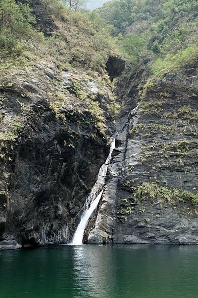 觀察獅王瀑布構造