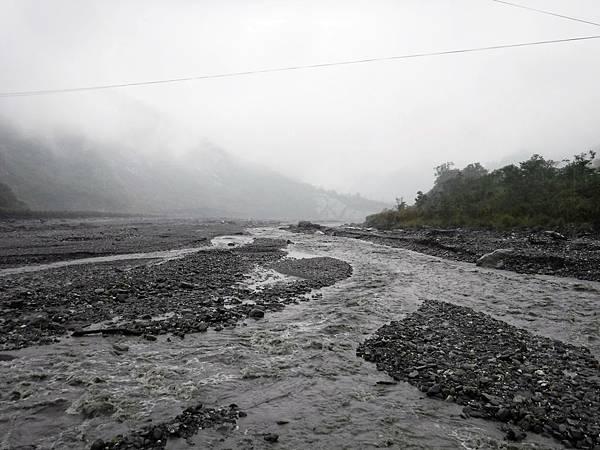 隘寮北溪往下游方向