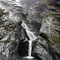 觀察飛龍瀑布構造