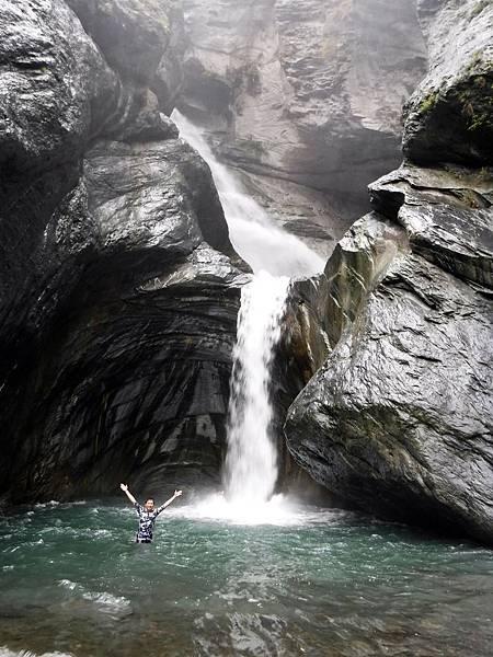 飛龍瀑布「下層」與水潭