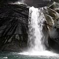 飛龍瀑布水落