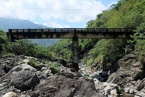 少年溪上有橋樑遺跡