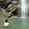 長龍瀑布戲水