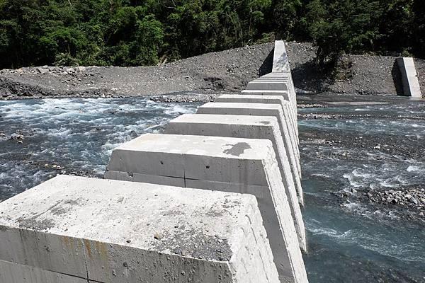 拉克斯溪第二座攔砂壩