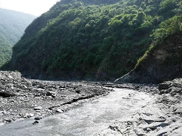 溫泉溪河床大左彎