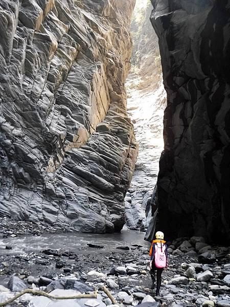 準備進入鬼斧神工峽谷