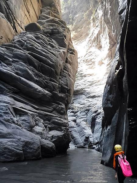 進入峽谷入口