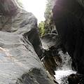 失魂峽谷入口遇小瀑布