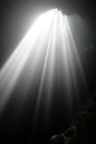 Grubug Cave天堂之光