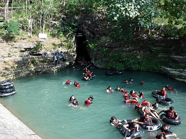 Pindul Cave出口水池