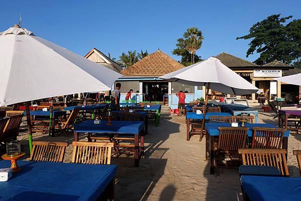 LIA CAFE沙灘露天餐桌