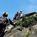 往上攀爬劍龍稜岩脈