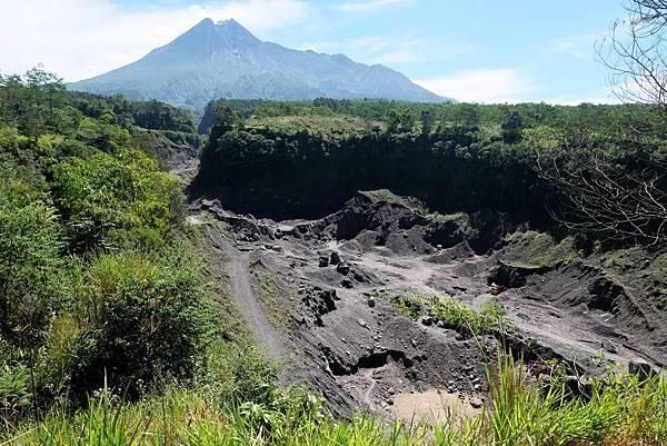 火山岩漿流通道的痕跡