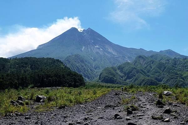 Bunker Kaliadem眺望默拉皮火山