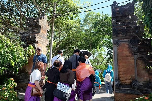 烏魯瓦圖神廟入口善惡門