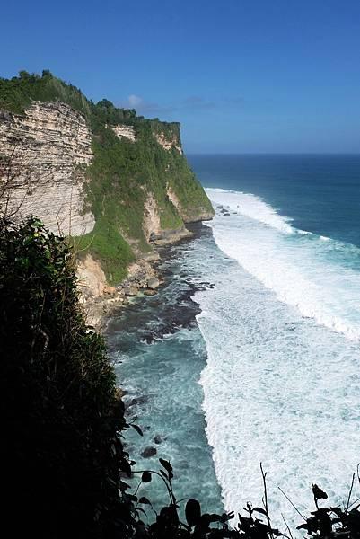 步道盡頭往南眺望烏魯瓦圖斷崖