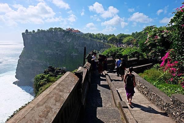 烏魯瓦圖斷崖步道往北折返