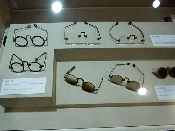 展覽當時的眼鏡
