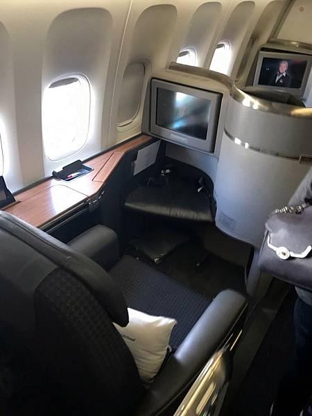 AA125頭等艙座位