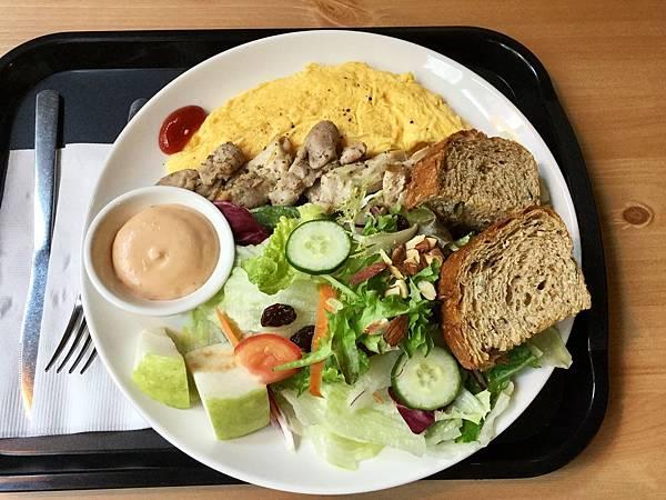 蛋捲早午餐-香烤雞肉起司蛋捲