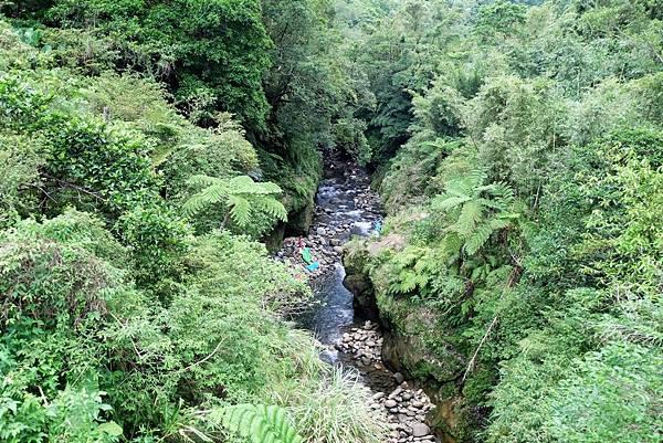 2號橋上往東俯瞰永定溪河床
