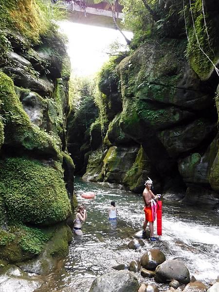 蚯蚓坑峽谷入口