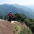 攀爬通過「險峻稜脊」