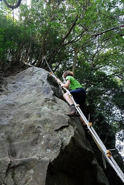 「獨立峰」上攀路線