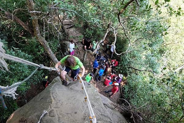 下攀返回「獨立峰」山腳