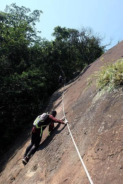 遇拉繩攀岩
