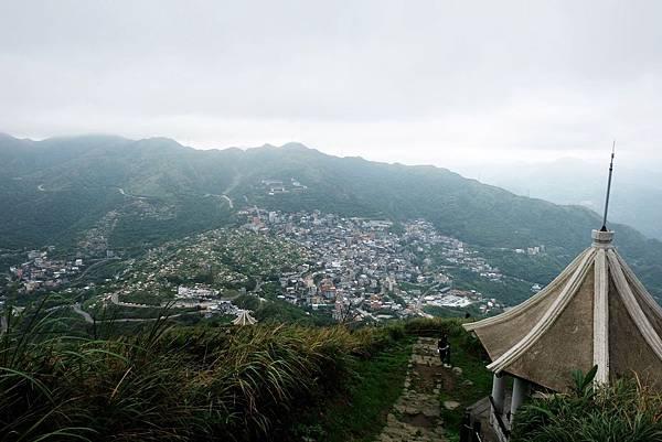 基隆山登山步道俯瞰九份地區