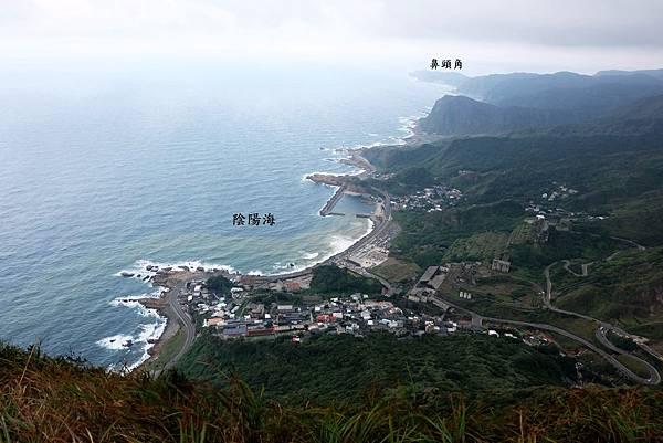 雷霆峰頂往東俯瞰東北角海岸