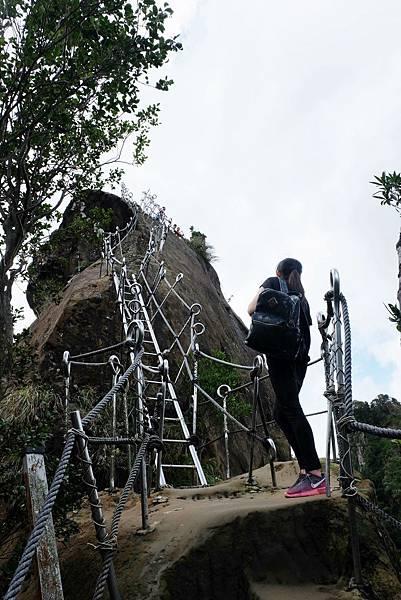 孝子山尖峰登頂之路