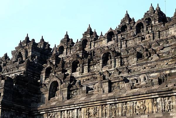 細看婆羅浮屠塔身