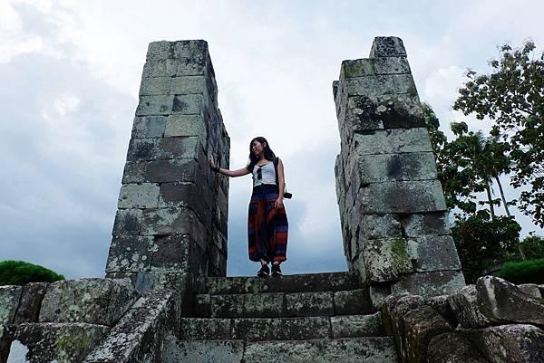 Paseban(覲見區)旁內宮通往外院的石柱門