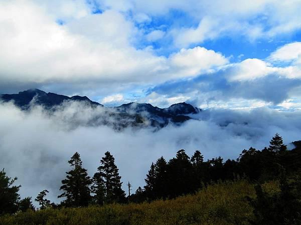 雪山東峰往北