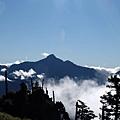 遙望中央尖山