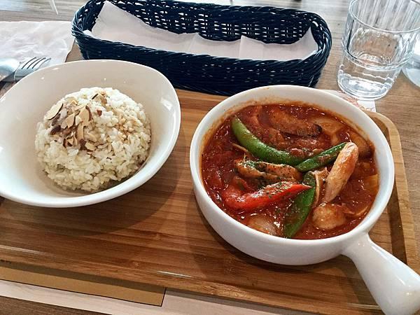香嫩蕃茄雞腿燴米飯