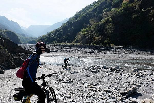 下切河床點3開始單車河床越野