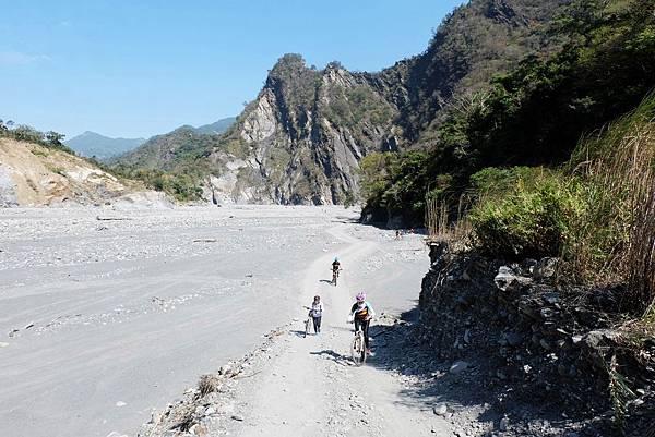 單車河床越野之路