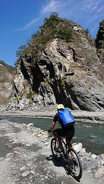 尋訪哈尤溪溫泉單車越野