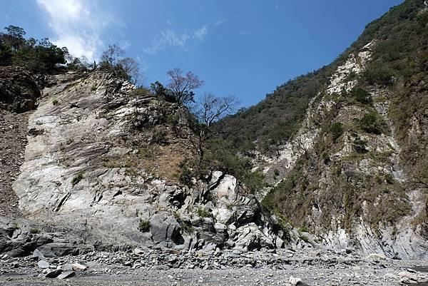 新大武溫泉山谷風景