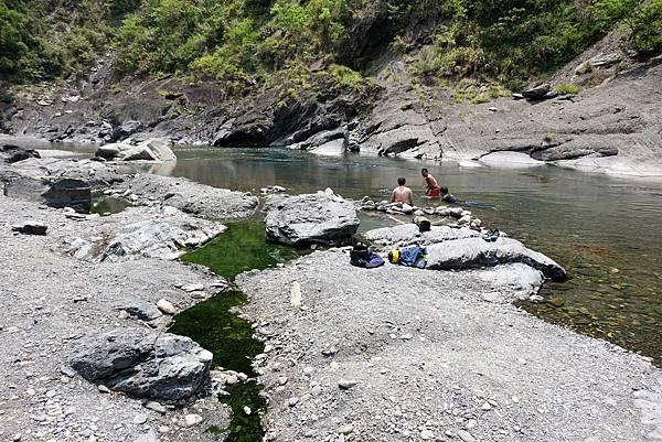 泰崗野溪溫泉