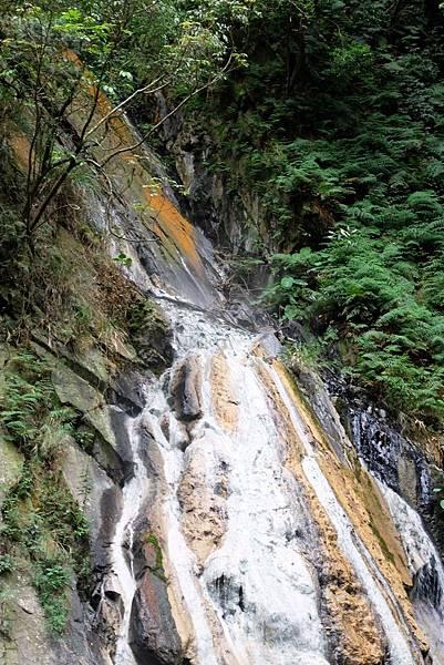 四陵野溪溫泉瀑布源頭