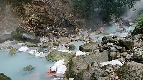 八煙野溪溫泉池