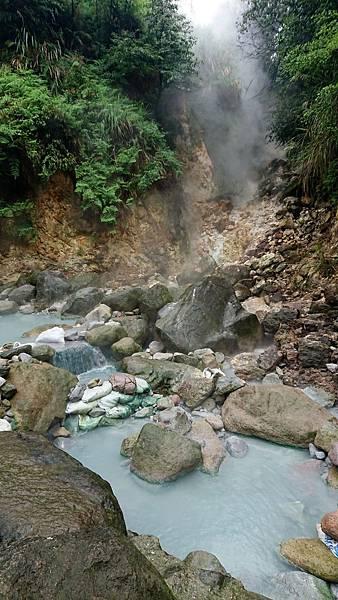 八煙野溪溫泉一景