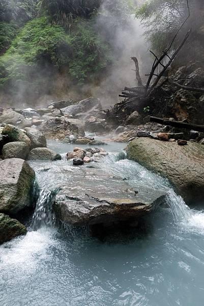 溫泉流水布置景觀
