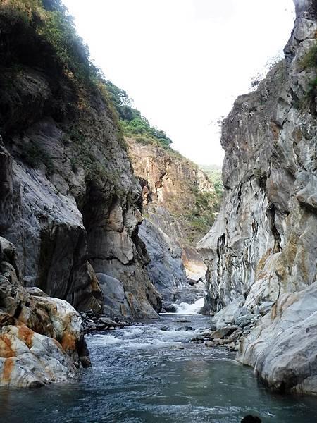 續往大崙溪上游方向