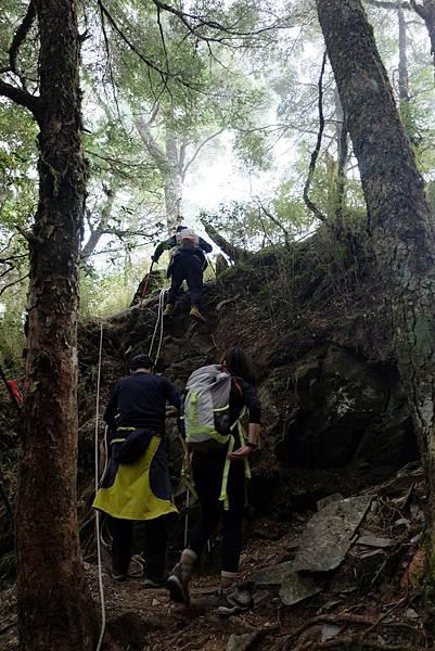 羊頭山登山步道3.4K攀岩